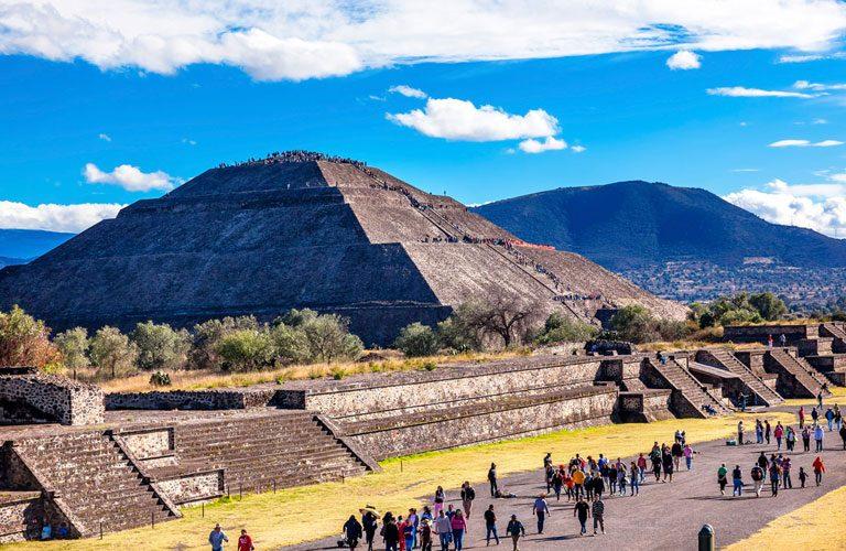 maxiko den 3 Teotihuacan---Sun-Pyramid