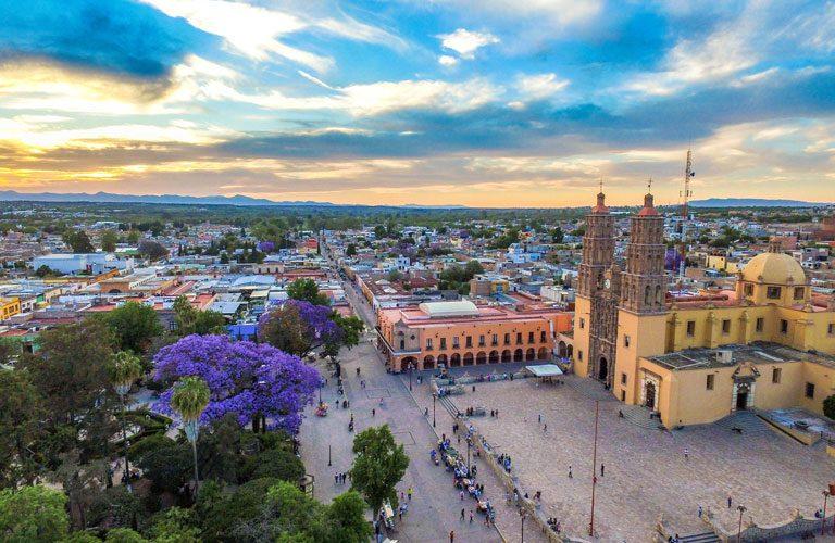 mexiko-den-6-Dolores-Hidalgo-Plaza-1