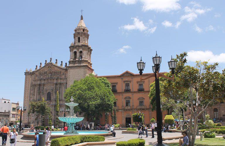 mexiko-den-6-San-Luis-Potosi---Plaza-del-Carmen
