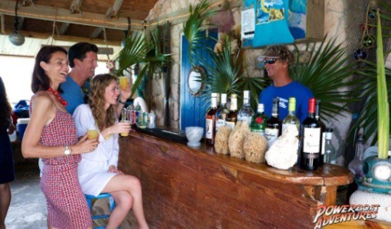 Bahamy Nassau relaxace u baru